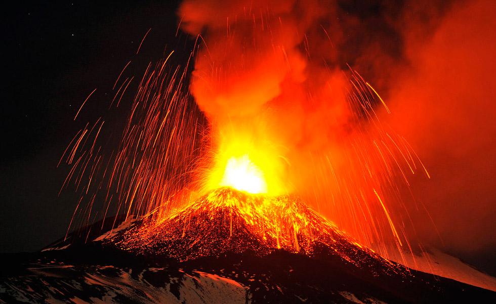 2013 год, извержение вулканов