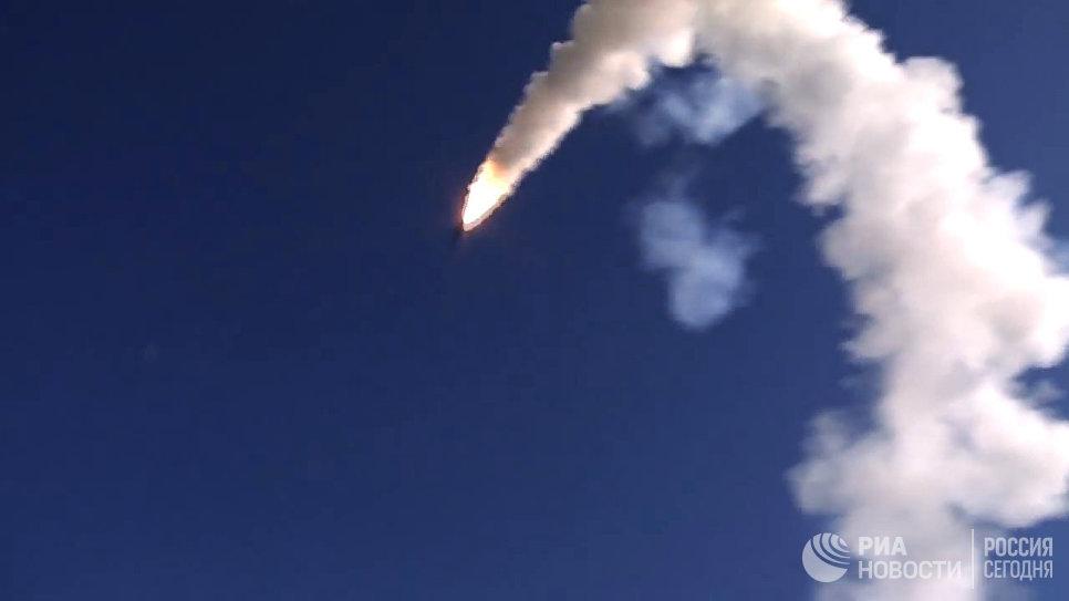 Корабли ВМФ РФ нанесли удар «Калибрами» по позициям террористов ИГ в районе Пальмиры