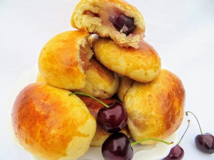 Пирожки с черешней в духовке еда, выпечка, пирожок, вкусно, готовка, рецепт, длиннопост, другая кухня, ягода, видео