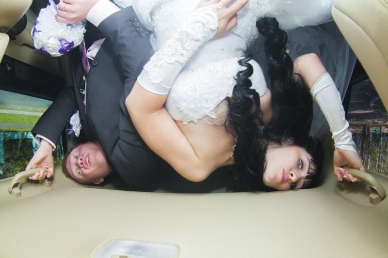 Дичайший треш во мгле кутежа: «самые лучшие» свадебные фото из России