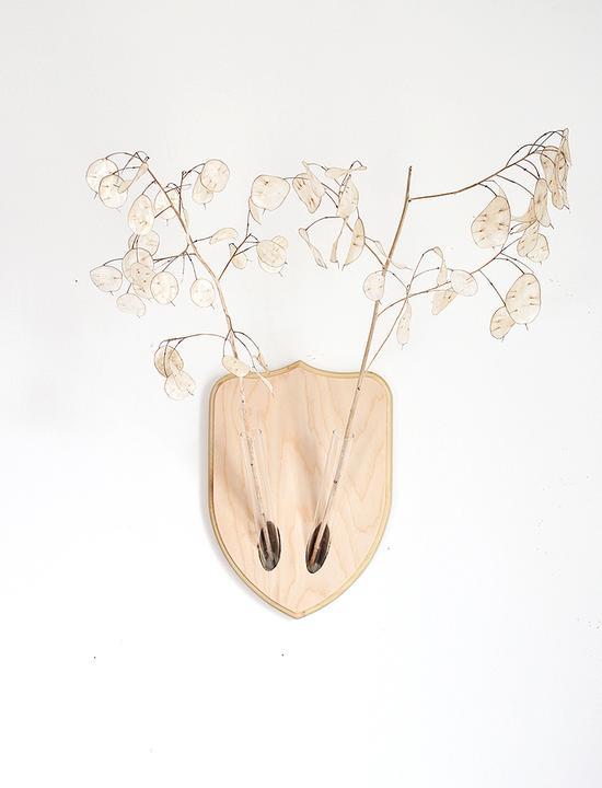 Настенная ваза в виде оленьих рогов