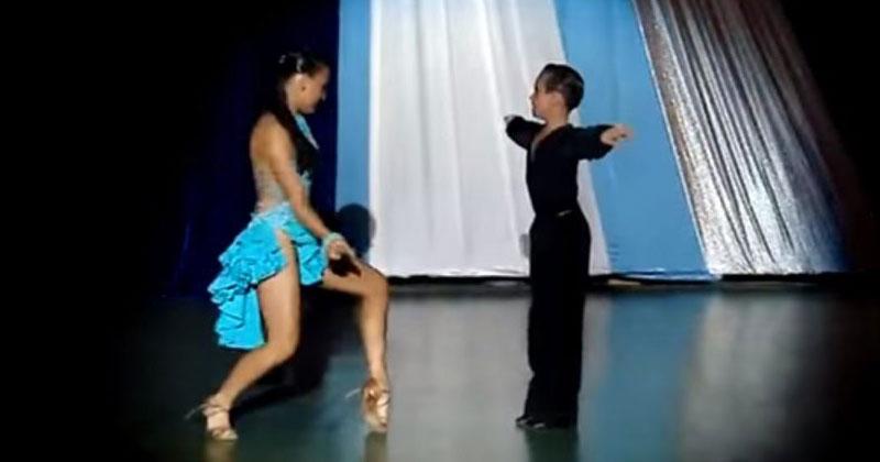 Его поставили в танец со взр…