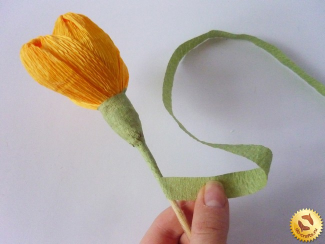 Сделать тюльпан из гофрированной бумаги своими руками 79