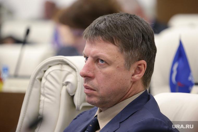 Пермский депутат на свою зарплату может купить 140 квартир