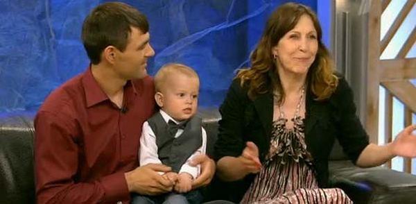 Муж бросил семью, увидев лицо новорожденной дочери. Она удивила всех, когда выросла