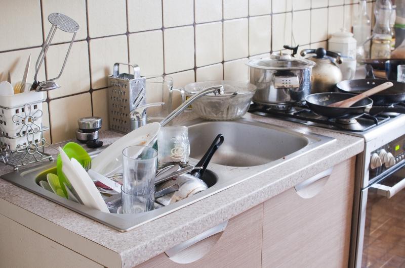 Беспорядок на кухне создает не хозяйка, и даже не ленивый муж. Знакомься, 10 вещей, которые порождают хаос.