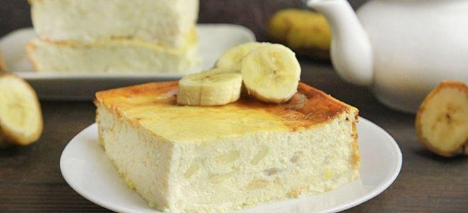 Творожная запеканка с манкой и бананом