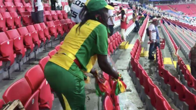 Фанаты убрались на стадионе, и это новость не про алкоголь