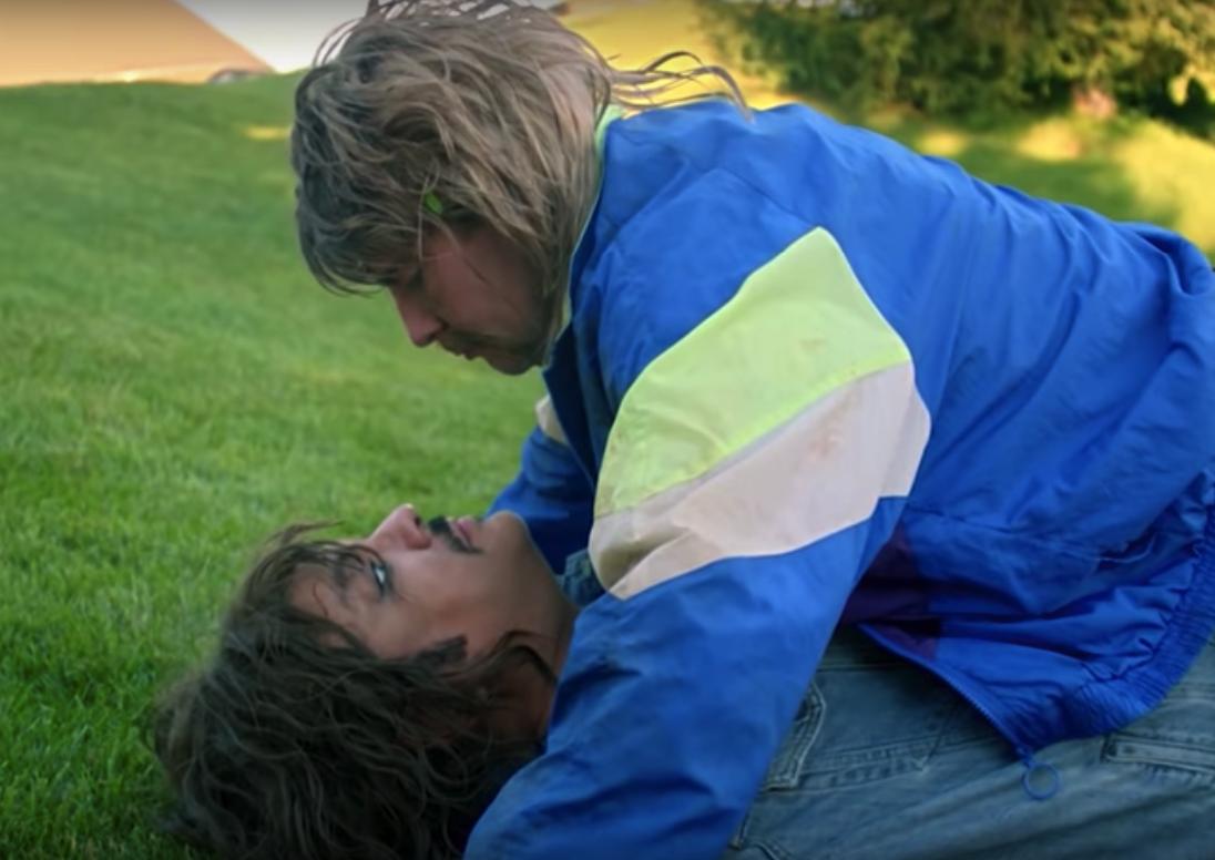 В новом клипе Киркоров и Басков избили друг друга