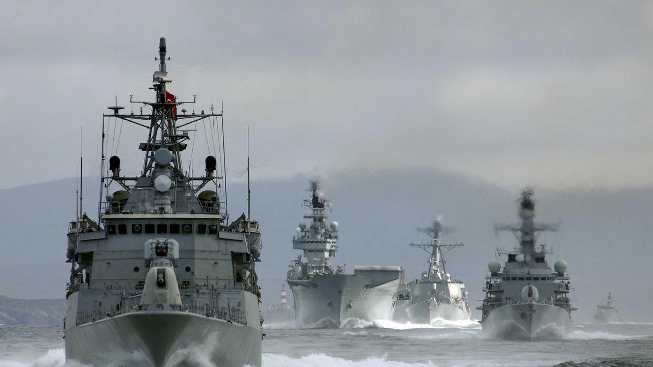 Военнослужащие в Североморске поздравили сборную России с победой