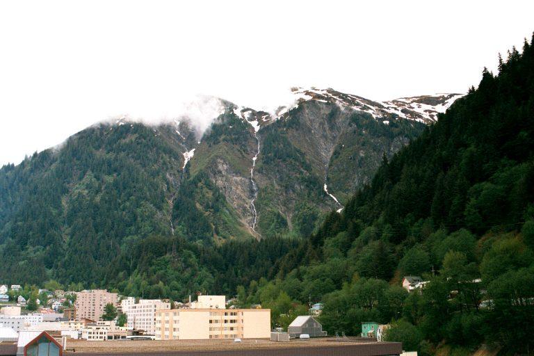 Почему Россия продала Аляску, и куда делись деньги