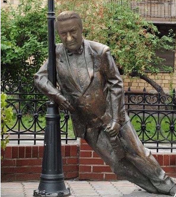 В Екатеринбурге установят новый памятник Борису Ельцину, прямо напротив Ельцин-центра