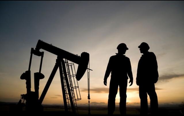 Россия подняла добычу нефти …