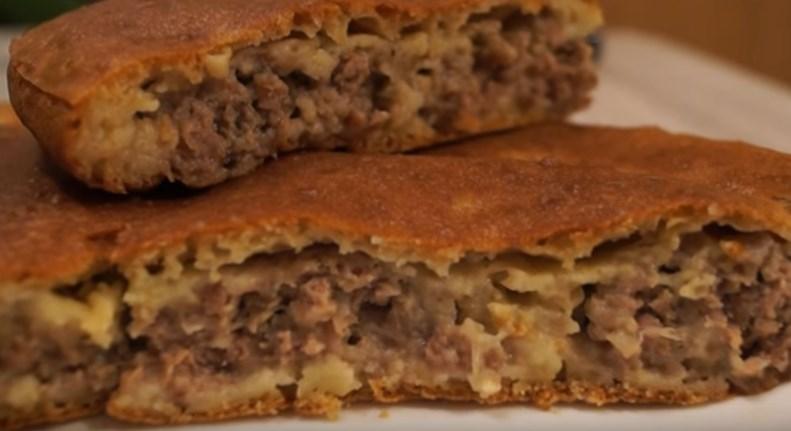 """Пирог с мясом """"Легче не бывает"""" за 10 минут плюс время на выпечку"""