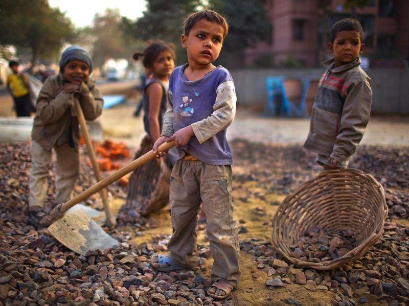 11. Многие дети осознают, что они должны помогать семьям, чтобы выжить Жуткие снимки, Трогает до слёз, дети, детский труд, рабство