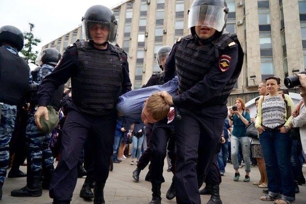 """На """"Эхе Москвы"""" возмущены тем, что центральное телевидение полностью игнорирует митинги"""