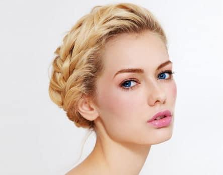 Коса вокруг головы — модная …