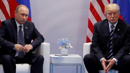 Эксперт по языку жестов Мэри Сивилло: язык жестов выдал неуверенность Путина на переговорах с Трампом