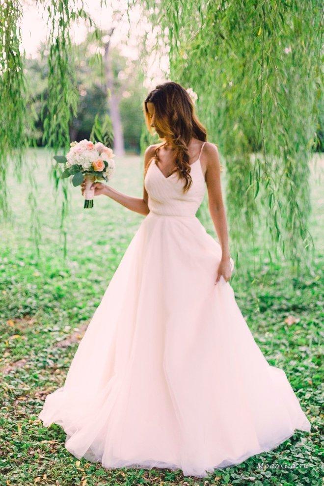 50 цветных свадебных платьев