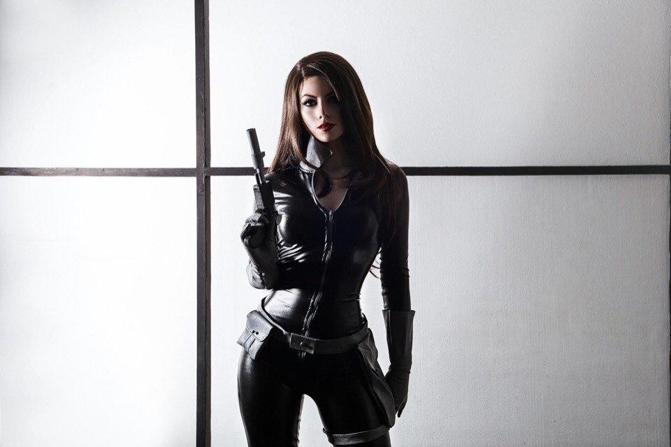 Superhero-Косплей: Талия аль Гул. Женщина-Кошка (Catwoman) и Звёздное Пламя (Starfire) в исполнении Ксении /Kamiko_Zero/ Бекназаровой