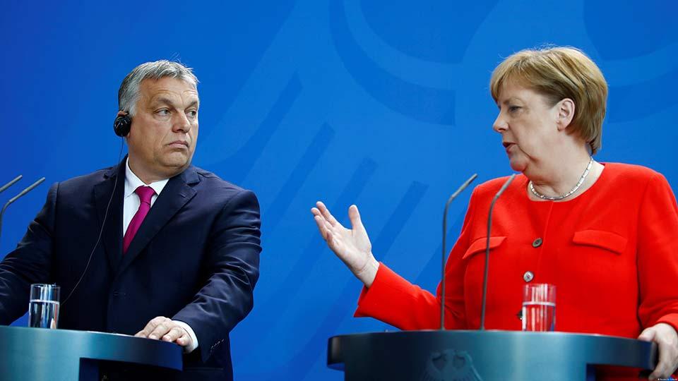Премьер Венгрии Орбан выступ…