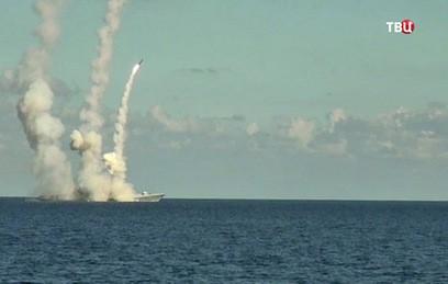 Корабли Каспийской флотилии нанесли удар по целям условного противника