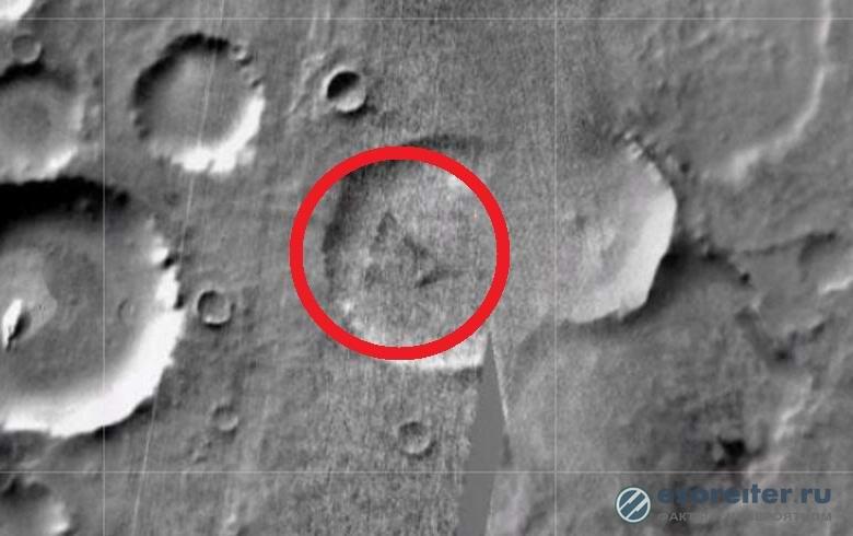 Загадочный треугольник обнаружен на Марсе
