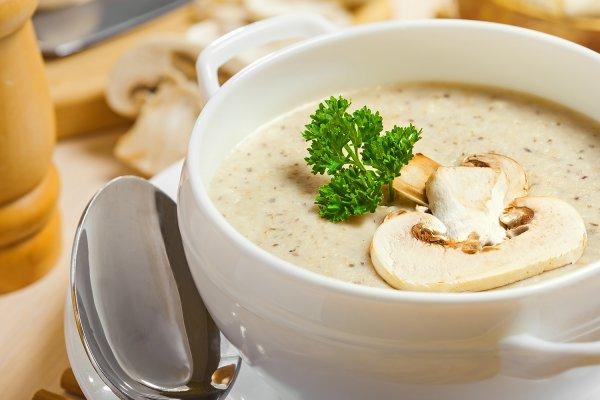 Сливочный крем-суп из грибов с хересом