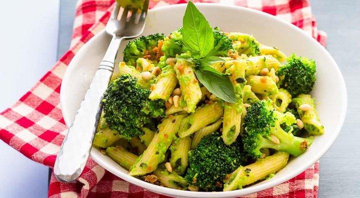 Полюбить брокколи. Вкуснейшие рецепты, которые помогут победить отвращение к спаржевой капусте