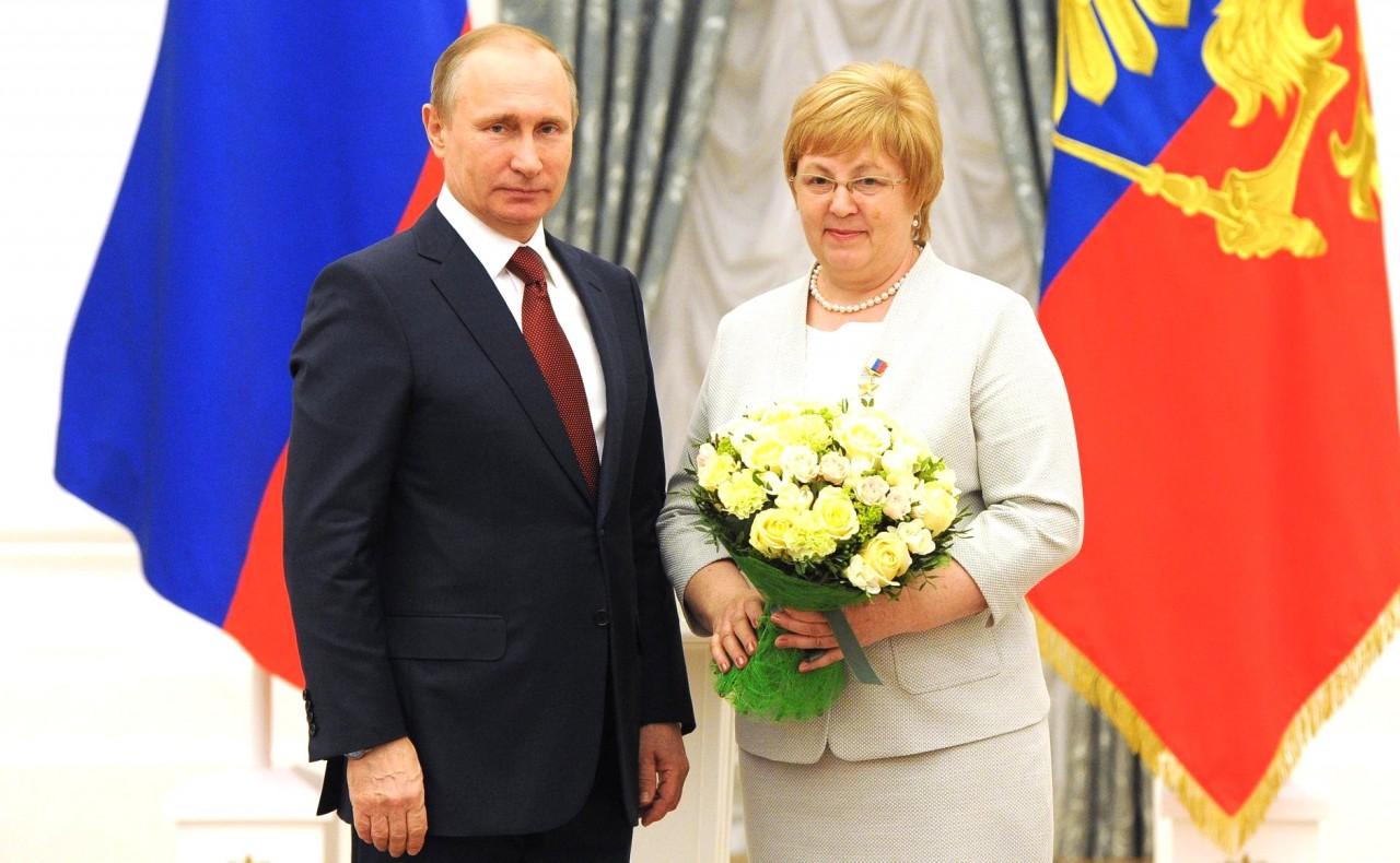 Президент вручил золотые медали «Герой Труда Российской Федерации»