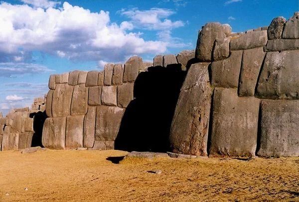 Тайны крепости Саксайуамана в Перу