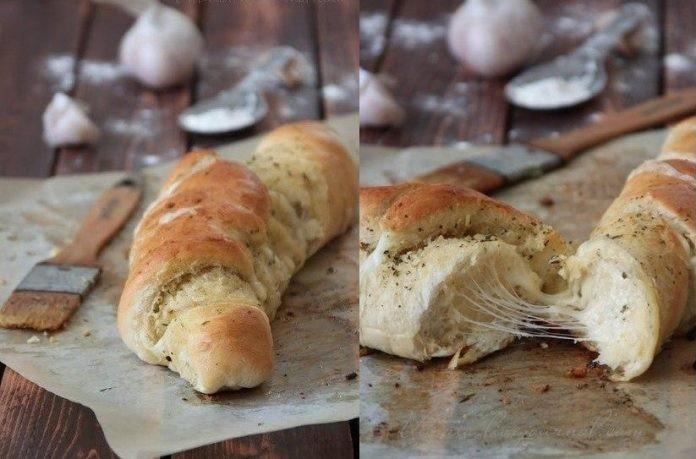 Уверена, после такого аппетитного и простого рецепта багета с сыром на кухню готовить побегут все хозяйки!