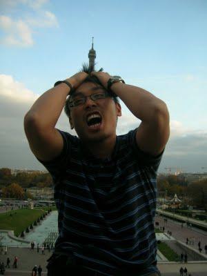 Парижский синдром /  Эпидемия смеха