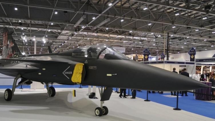 Самолет Gripen Aggressor