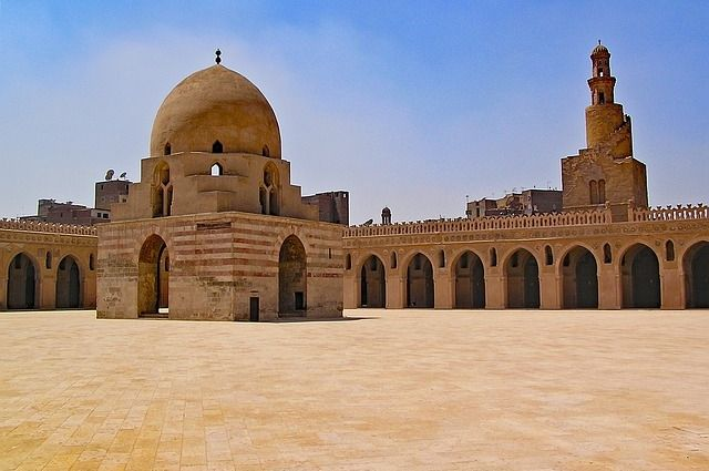 Минтранс РФ: авиасообщение с Египтом может возобновиться в феврале 2018 г.