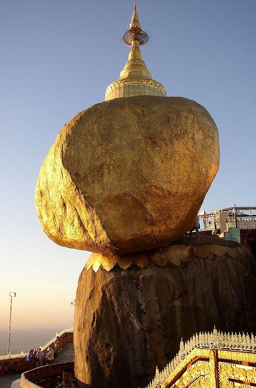 удивительные балансирующие скалы