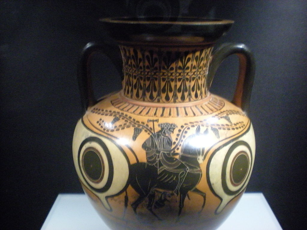 http://upload.wikimedia.org/wikipedia/commons/thumb/7/7a/Amphora_black_figured_-_Hephaestus_returns_to_the_Olympos_.jpg/1024px-Amphora_black_figured_-_Hephaestus_returns_to_the_Olympos_.jpg