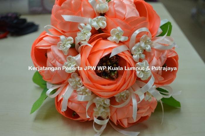 Цветы из ткани. Новые работы от Suzana Mustafa (6) (700x465, 222Kb)