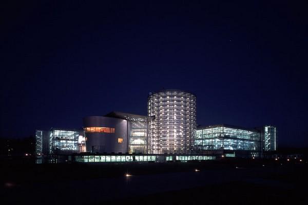 Glaserne Manufaktur – стеклянный завод VW