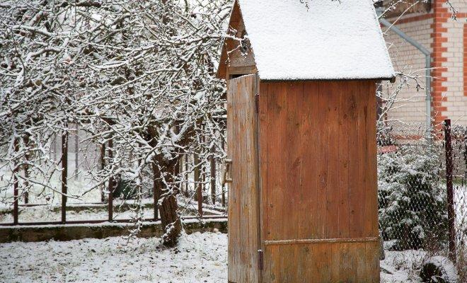 Туалет за 5 000 рублей: какие штрафы грозят дачникам?