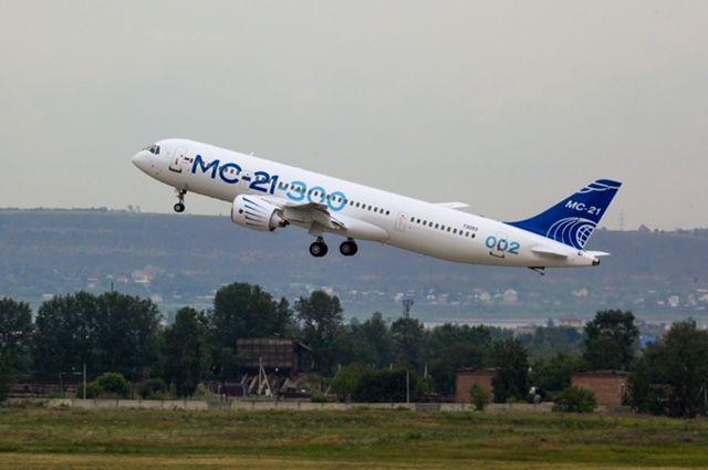 Самолет МС-21 совершил испытательный полет в новой окраске