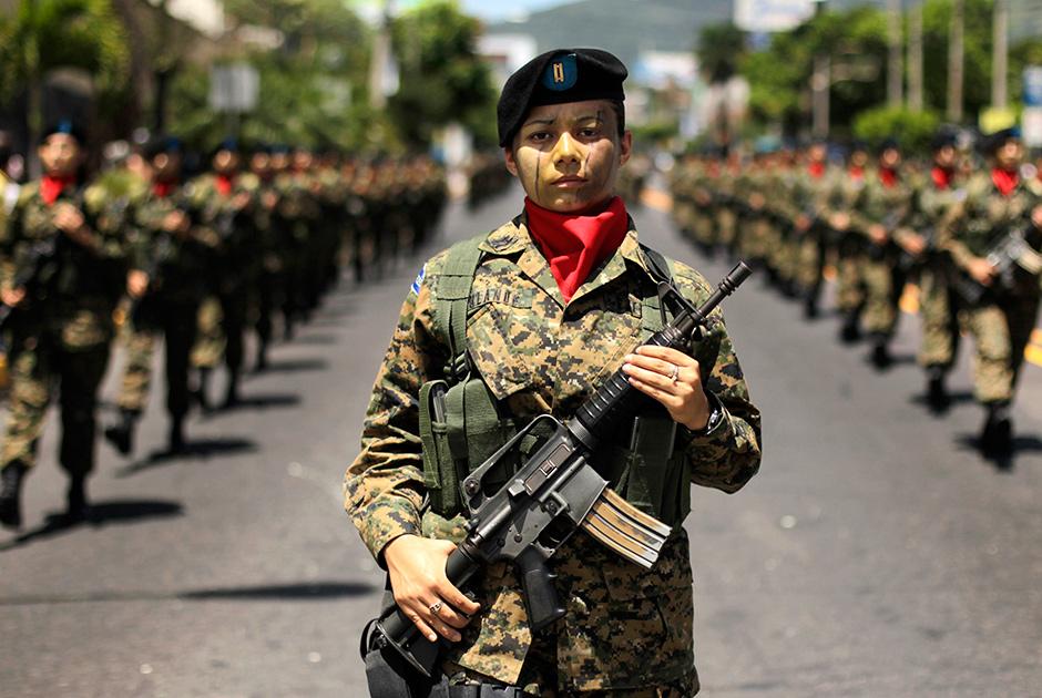 Военнослужащие в Сальвадоре