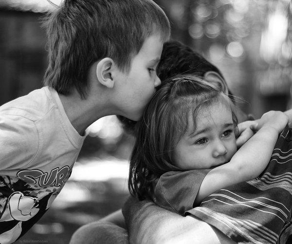 Усыновили мальчика с улицы, а он спас их дочку!