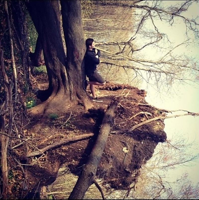 Смотрите на эту фотографию несколько минут, а потом понимаете, что на ней нет озера. Совсем. перспектива, правильный ракурс, прикол, фотографии, юмор