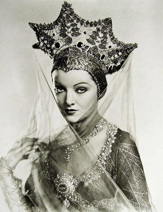 Мирна Лой, американская актриса 1930-х годов