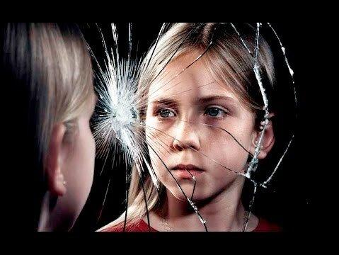 Агрессия родителей или чрезмерная опека: что хуже