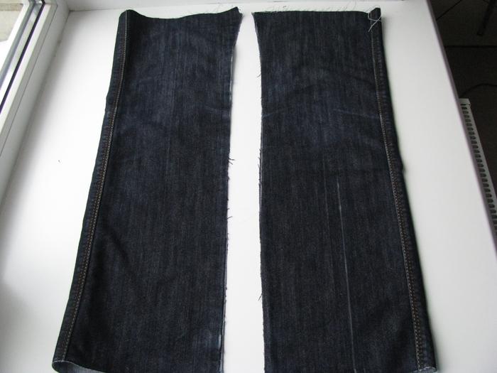 Маленькая сумочка из джинсов с декором молниями