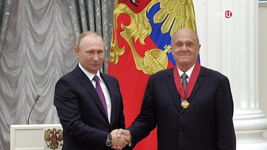 """Актер Меньшов обратился к Путину со словами """"Хватит помогать олигархам, помогите бедным"""""""