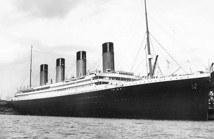 Титаник в порту
