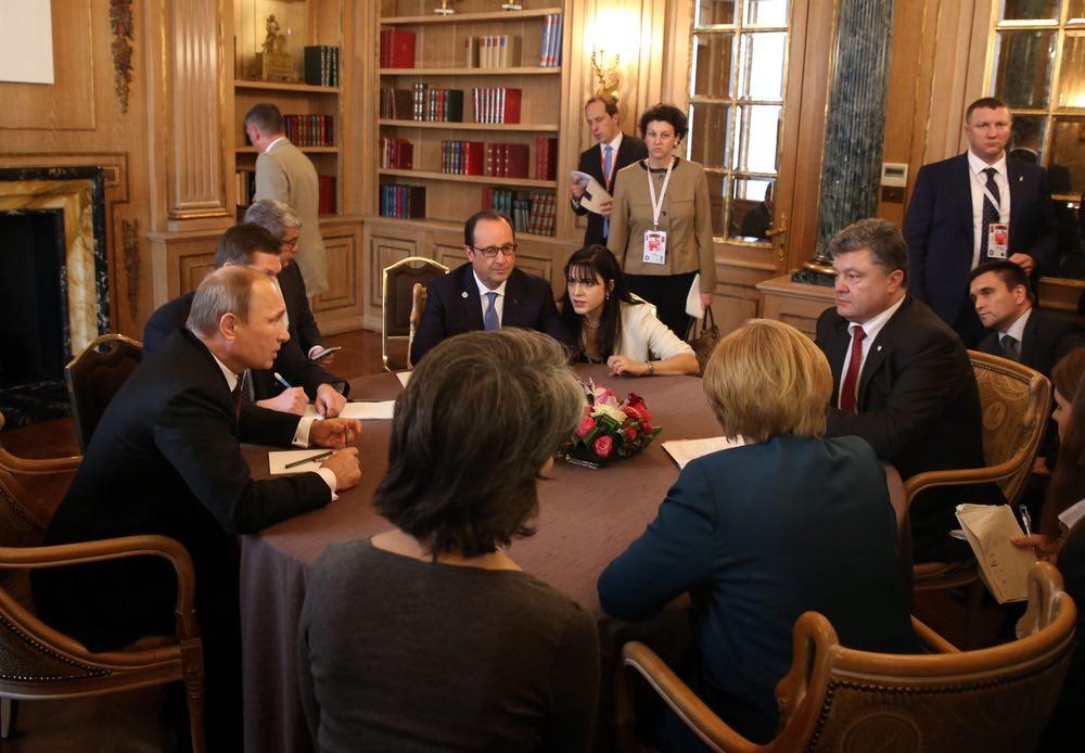 Украина спешно закладывает «бомбу» под Минские договорённости